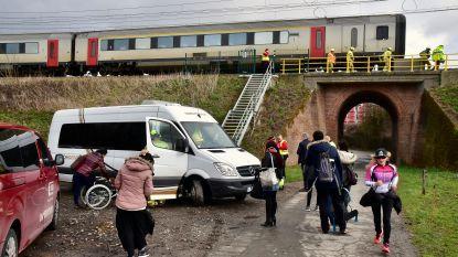 Dertien treinreizigers geëvacueerd na dodelijk ongeval op spoor