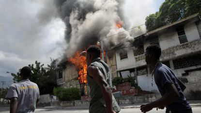 Zware rellen bij betoging tegen regering Haïti