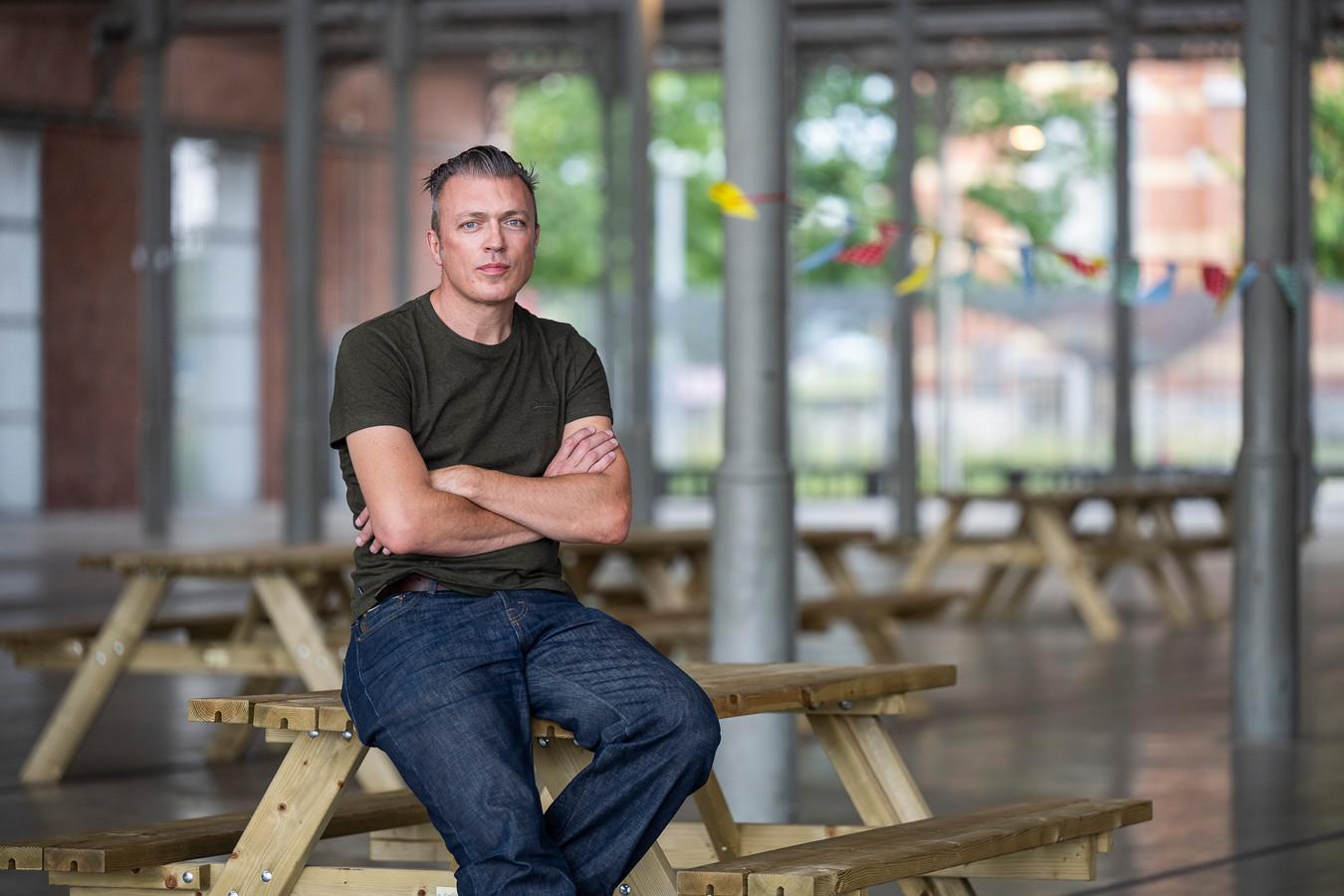 Organisator Ben Mouling tovert deze hangar aan Spoor Noord eind september om tot Oldskool Antwerp.