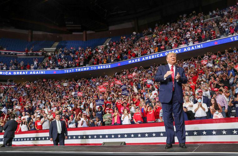 De Amerikaanse president Donald Trump tijdens zijn speech op de campagnebijeenkomst in Tulsa op 20 juni. Beeld Reuters