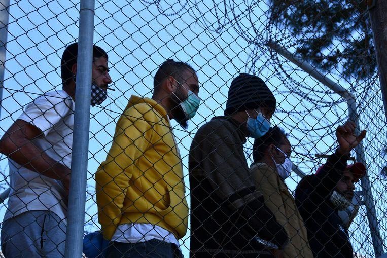 Migranten op Samos. Beeld AP