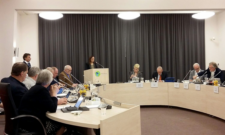 Raadslid Lonneke Verbunt van Fractie Baarle! stelde in de raadsvegadering vragen over de drugscriminaliteit die Baarle-Nassau treft.