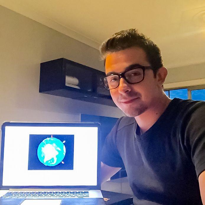Laurent Marchal ontwierp een speciale website waarop je kan zien hoe je op de aardbol staat ten opzichte van iemand anders.