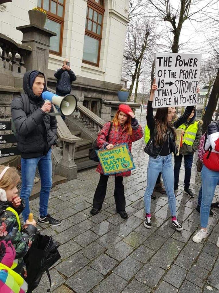 Bij de eerste klimaatmars kwamen zo'n 140 deelnemers opdagen.