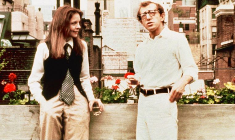 Scène uit Woody Allens 'Annie Hall', met Diane Keaton in een vandaag ineens weer uitermate hip gilet. Beeld Annie Hall