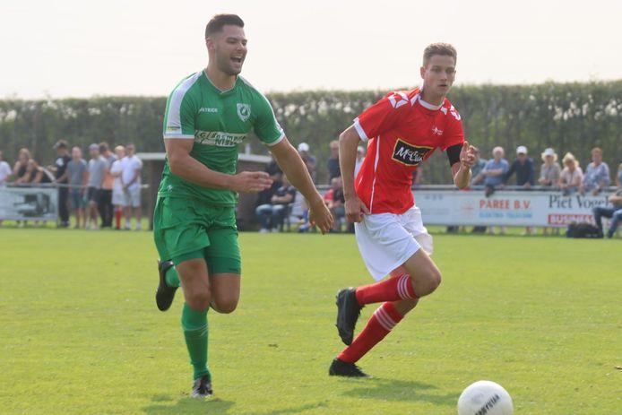 Luctor Heinkenszand (groen) was zaterdag Lewedorpse Boys de baas in de derby,