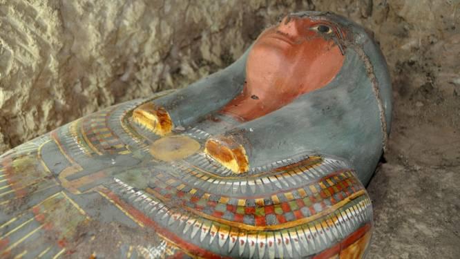 Archeologen vinden in Egypte prachtige sarcofaag met mummie van meer dan 2500 jaar oud