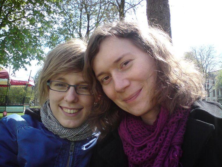 Tamar en Sophie (rechts). Beeld