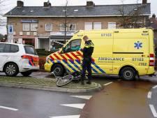 Automobilist rijdt fietser aan op rotonde in Zevenaar: slachtoffer naar ziekenhuis
