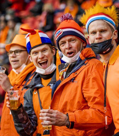 Waarom fanatieke clubsupporters weinig hebben met de Oranjegekte