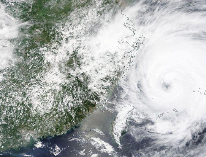 Tyfoon In-Fa.
