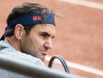 "Roger Federer is ""nog enkele maanden out"" na knieoperatie"