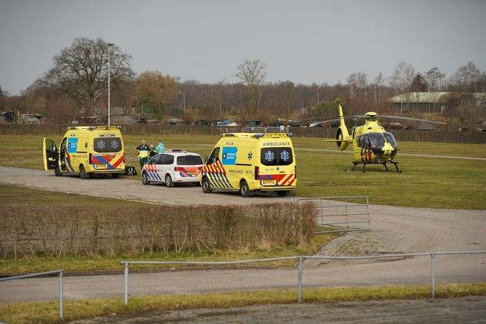 Een traumahelikopter is ter plaatse.