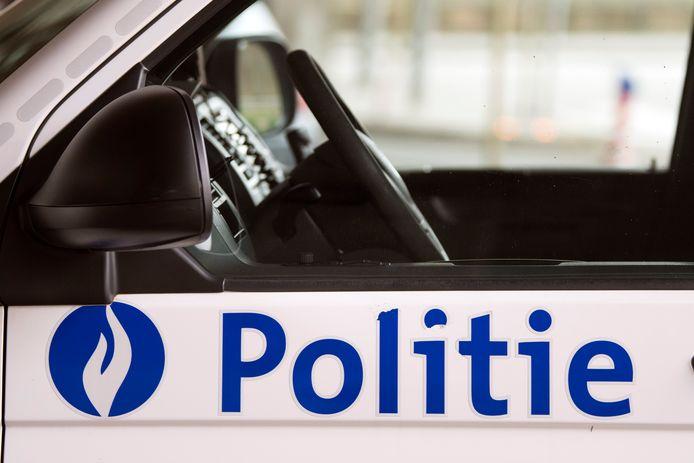 De politie van Oostende trok het rijbewijs van de man in.
