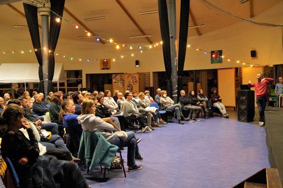 Ouders van De Koorddanser in Meulebeke en Het Reuzenhuis in Tielt kwamen massaal opdagen voor de infoavond rond de nieuwe middelbare freinetschool.