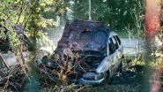 Twee auto's branden uit, wellicht sprake van brandstichting