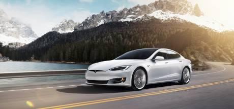 Autobestuurder slaapt bij 150 km/u in zijn zelfrijdende Tesla