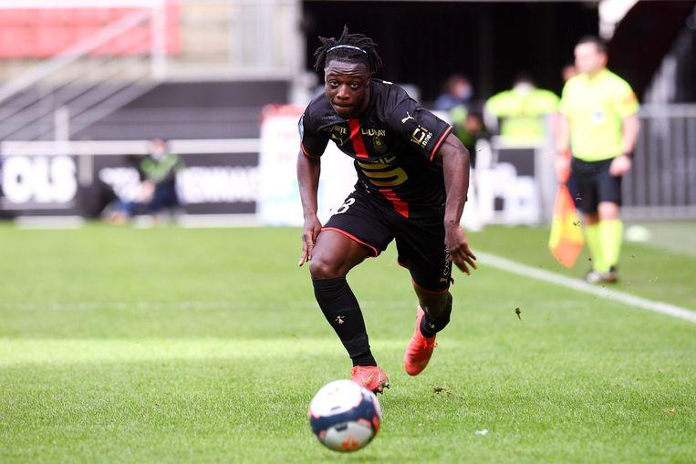 Jérémy Doku in actie voor Rennes tegen Strasbourg, op 14 maart. 'Een reden waarom ik voor Rennes koos: om beter te worden.' Beeld Photo News