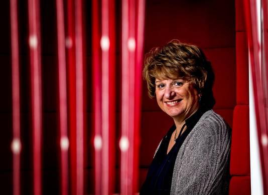 SER-baas Mariëtte Hamer adviseert het Kabinet exact te gaan monitoren in welke sector er banen verdwijnen en bijkomen door de voortschreidende robotisering.
