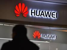 """La Chine dénonce le traitement """"inhumain"""" de la dirigeante de Huawei"""