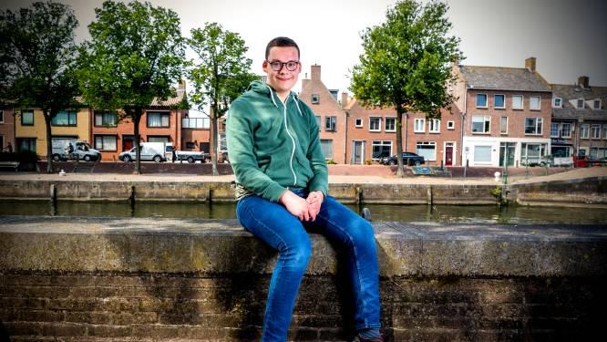 Het lukt Julien (18) niet vriendschappen te sluiten: 'Met Facebookoproepjes ben ik gestopt'