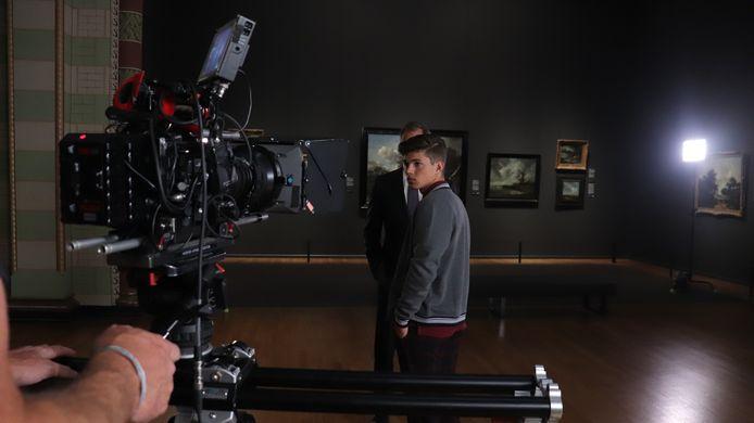 Valentijn (Vincent Visser) met zijn opa Ludo (Erik de Vogel) bij een van de laatste opnames van dit seizoen.