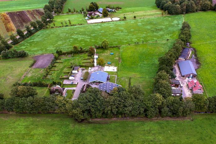 Mini-camping De Huttert mag van de gemeente Raalte uitbreiden van 25 naar 40 plekken, maar dat gebeurt niet als het aan de buren ligt.