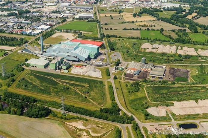 Luchtfoto van het terrein van afvalverwerker Twence.