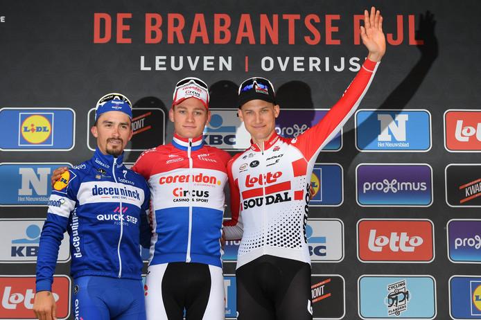 Het podium van de 59ste Brabantse Pijl: Julian Alaphilippe, Mathieu van der Poel en Tim Wellens.
