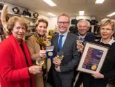 Vergulde bronzen erepenning voor Holtkamp Lederwaren in Hengelo