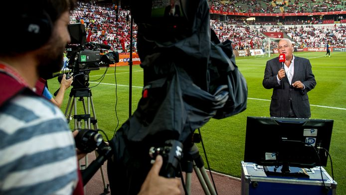 Jack van Gelder gaat een wekelijkse talkshow presenteren voor de nieuwe sportzender.