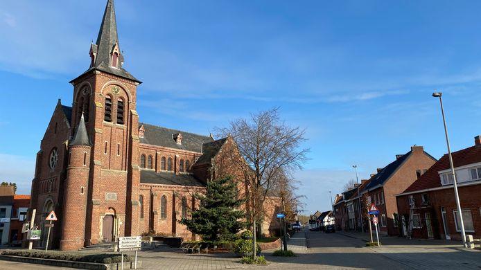De zomerfotozoektocht start aan de kerk van Oosthoven