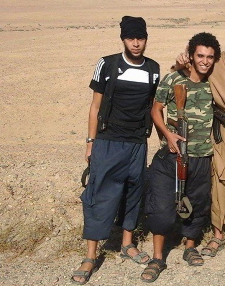 De Kortrijkse Syriëstrijders Olivier Calebout en Abdelmalek Boutalliss (rechts) Beeld kos