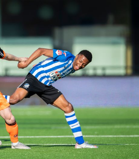 Jap Tjong pakt cadeautje FC Volendam-doelman uit en bezorgt FC Eindhoven een punt