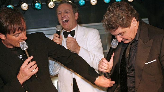 Geer, Goor en René lichten in 2007 een tipje van de sluier op over hun plannen voor de nieuwe concertreeks in de Amsterdamse Arena. Zoals altijd worden er grappen over elkaars uiterlijk gemaakt.