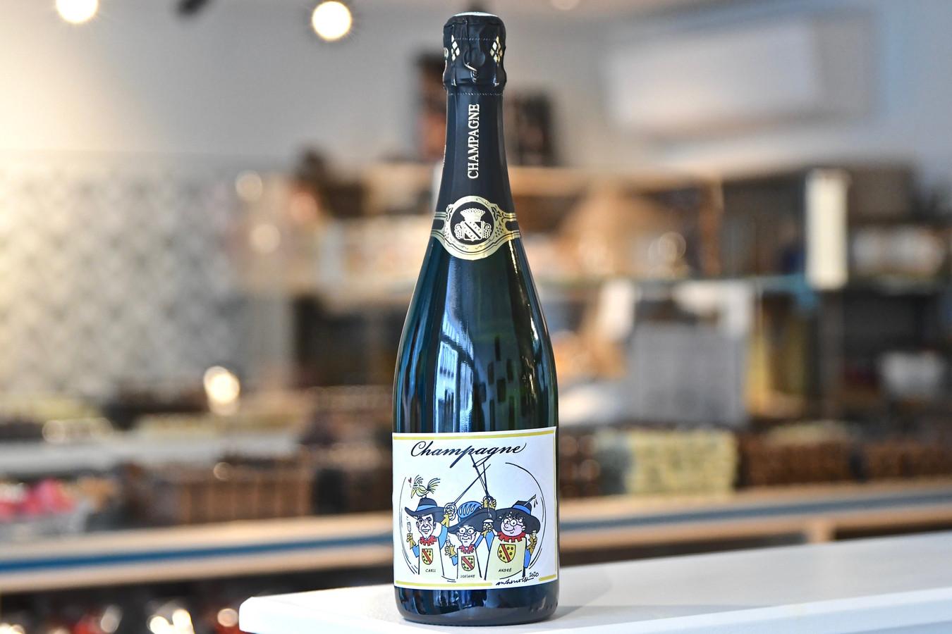 Chicolat verkoopt een exclusieve champagne. Deze is gepersonaliseerd met een cartoon van de Wervikse ereburgers André Nollet , Josianne Vanhuysse en Carll Cneut.