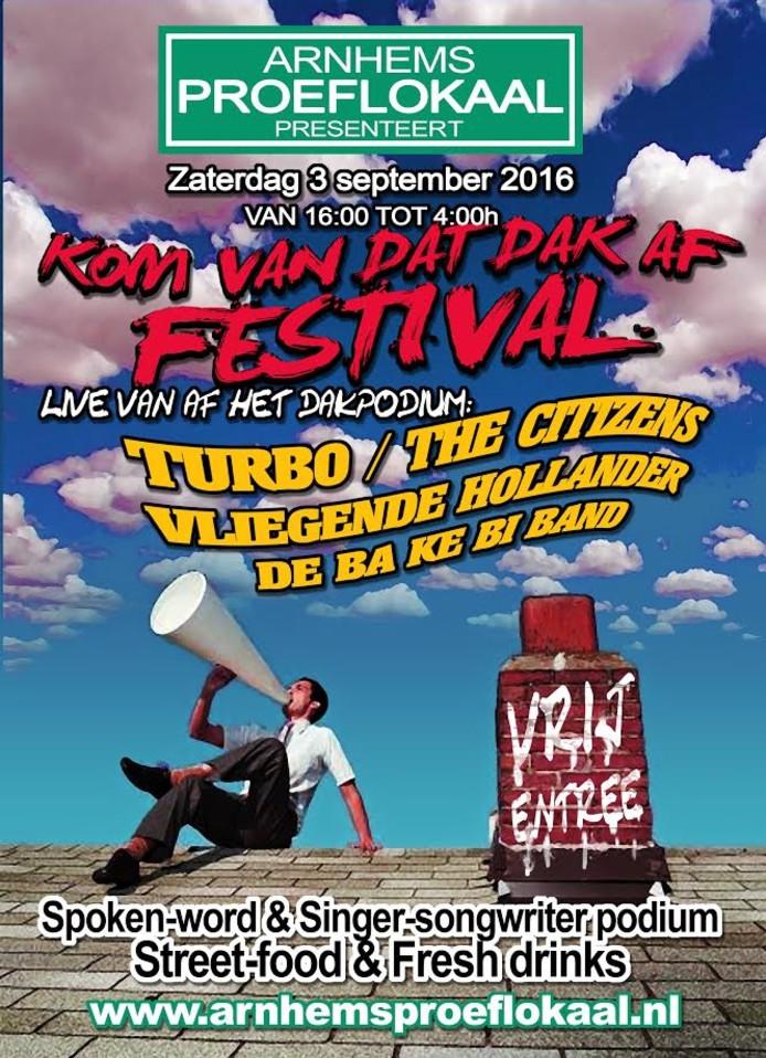 Bands en singer-songwriters beklimmen het podium tijdens het 'Kom van dat dak af'-festival in het Arnhems Proeflokaal