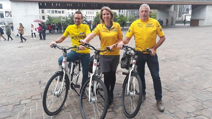 Schepen Bracke met organisatoren Thomas Ameye en Patrick Van Dam.