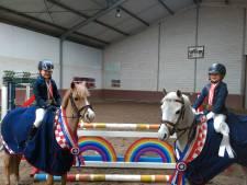 Medailles voor Astense ponyzusjes