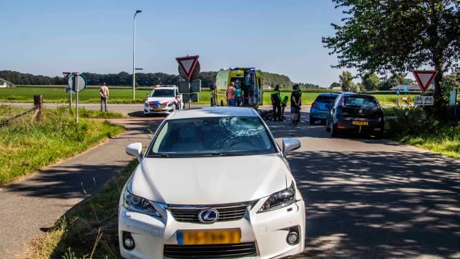 Brommerrijder raakt gewond door botsing met auto in Drempt