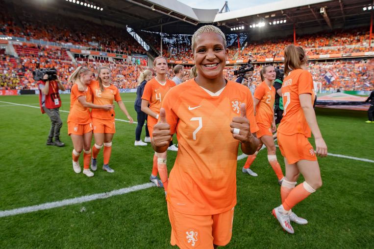 Shanice van de Sanden of Holland Women celebrates the victory, nederland, holland, netherlands, vrouw, vrouwen, women, oranje, the netherlands, leeuwinnen, oranjeleeuwinnen, dames during Holland  - Australia  NETHERLANDS, BELGIUM, LUXEMBURG ONLY COPYRIGHT BSR/SOCCRATES Beeld BSR Agency