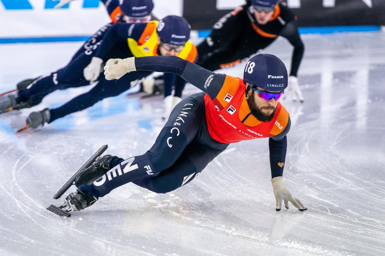 Sjinkie Knegt tijdens de NK afstanden in Heerenveen afgelopen weekend.