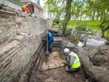 Restant van historisch verdedigingswerk ontdekt bij ingestorte stadsmuur in Elburg