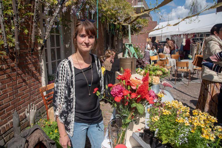 Petra Hauben organiseerde het eerste editie Café de Printemps in de Marktdreef in Wetteren.