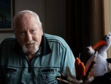 Piet (66) uit Eindhoven sprong met zijn ene been zo over een serveerkarretje: 'Kijk eens wat ik kan...'