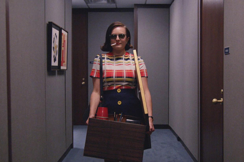 Van de ene dag op de andere je spullen pakken en iets anders gaan doen, net als Peggy Olson in 'Mad Men': een kwestie van lafheid? Of net van ontzettend veel lef tonen? Beeld Courtesy of AMC