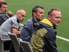 NAC-trainer De Graaf kan zijn geluk niet op: 'Dit is een bijzondere dag voor mij'