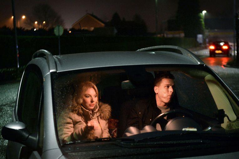 Mariska van Koeverden is niet zo van het koken en daarom eten zij en haar vriend een keer per maand in de auto: knus, gezellig en lekker rustig. Beeld Marcel van den Bergh