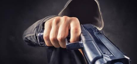 Tilburger (54) aangehouden na bedreiging met vuurwapen