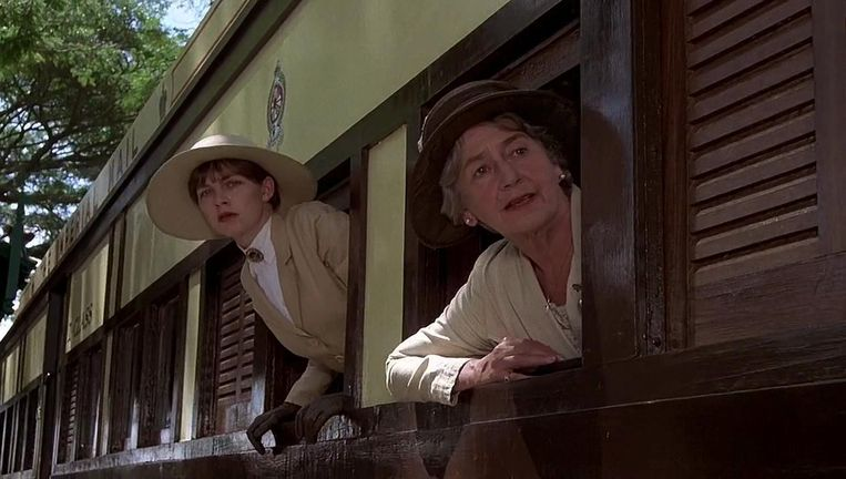 Judy Davis en Peggy Ashcroft in A Passage to India. Beeld
